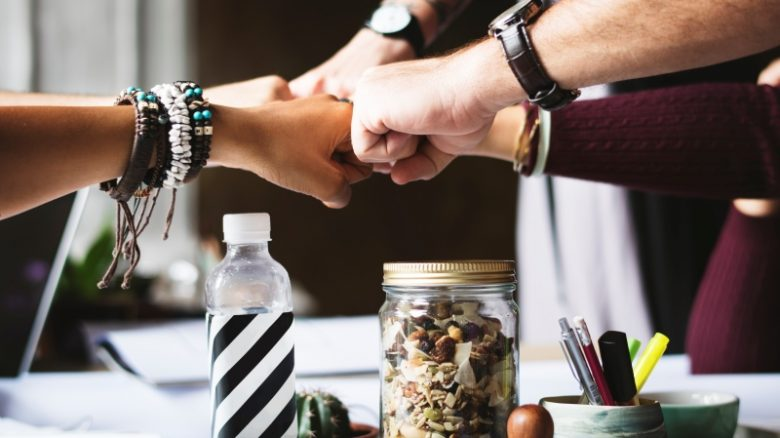 wspólna praca (pixabay)
