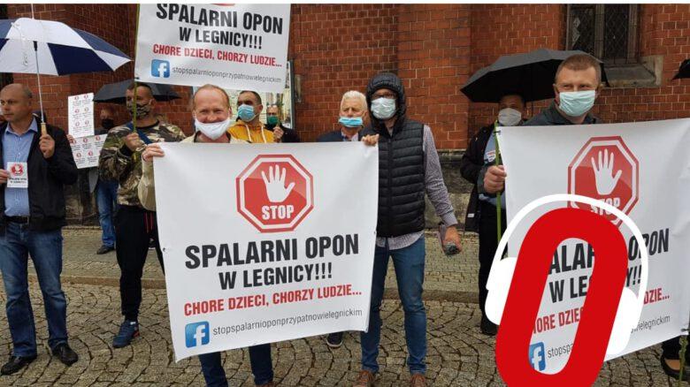 Protest przeciw spalrnii w Legnicy