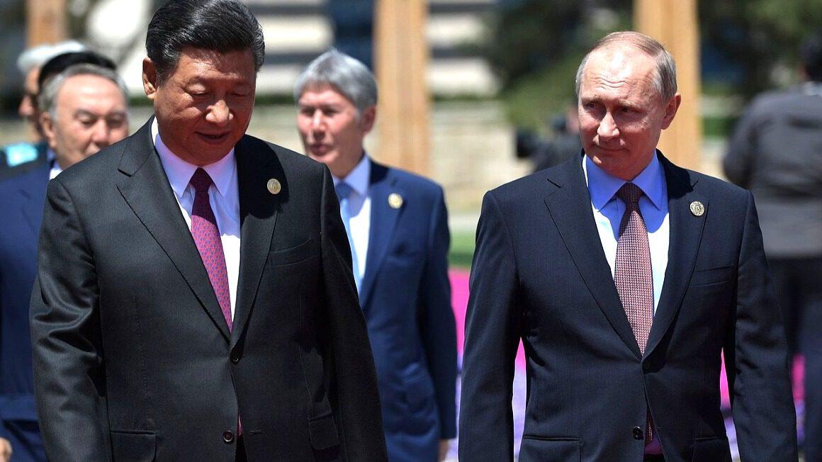 prezydent Chin Xi Jinping i prezydent Rosji Władimir Putin