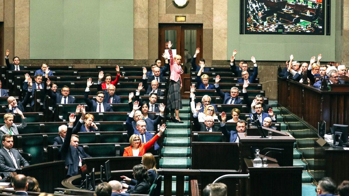 głosowanie_wotum nieufności wobec ministra Szumowskiego