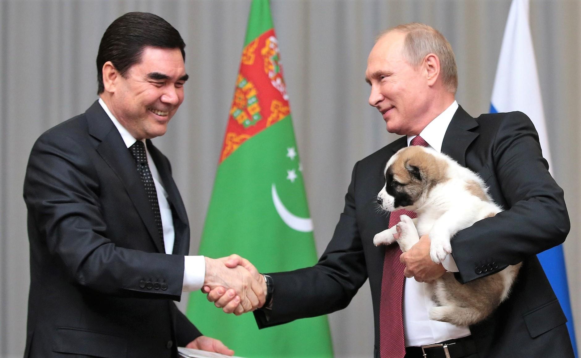 Vladimir Putin iGurbanguly Berdimuhamedow (2017-10-11)