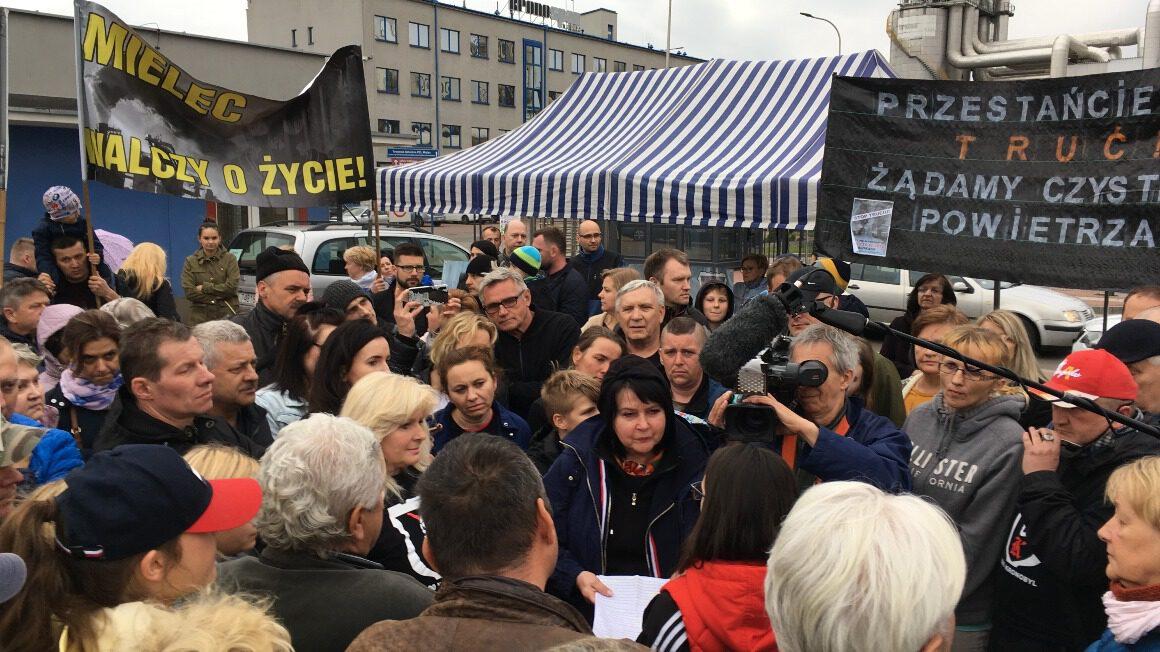 Elżbieta Jaworowicz podczas protestu w Mielcu